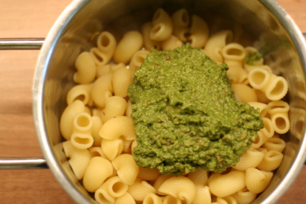 Vegan pesto on pasta