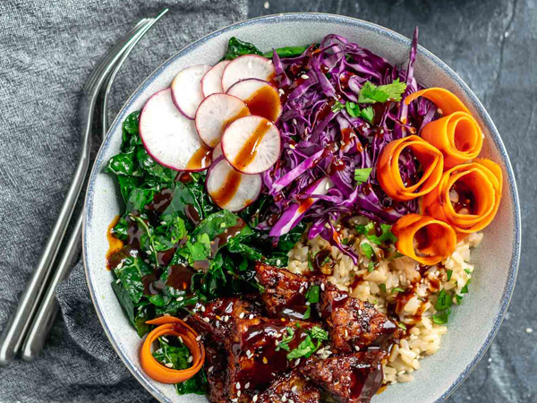 How to eat more greens - The Curious Chickpea's Hoisin Glazed Tempeh Bowl