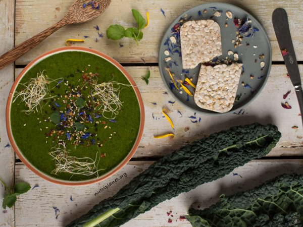 How to eat more greens - Nutriplanet's Creamy green soup