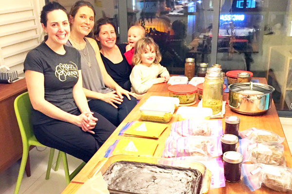 Vegan Batch Cooking Club - Group Selfie with the food!