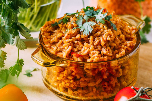 Vegan pantry cooking recipes and tips from bloggers - Veeg - 1-pot enchilada lentil rice