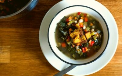 How to make vegan soup (with my rustic bean soup recipe)