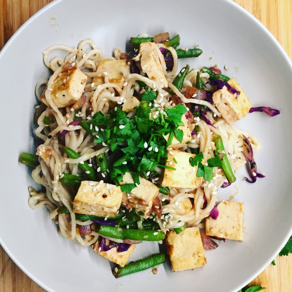 Vegan meal plans - Noodles, green beans, and tofu