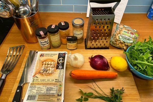 How to make tofu scramble - Basic ingredients