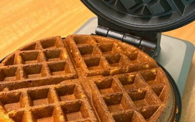 How to make super healthy vegan blender waffles with only whole foods (also gluten-free and zero-waste)